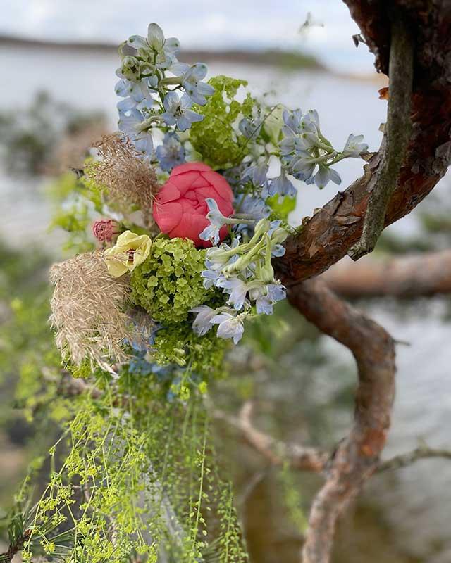 Blomdekoration i naturen